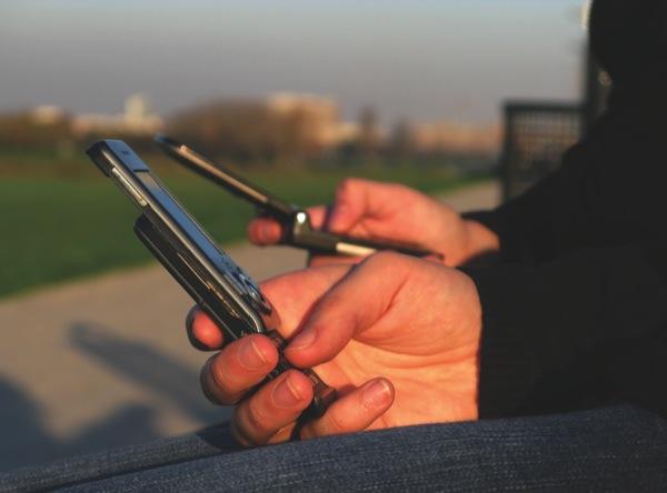 mobile_phones.jpg