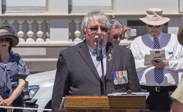 RSL_NSW_State_President_Don_Rowe_OAM_reading_the_The_Ode_at_the_Centenary_of_the_Kangaroo_March_commemoration_ceremony